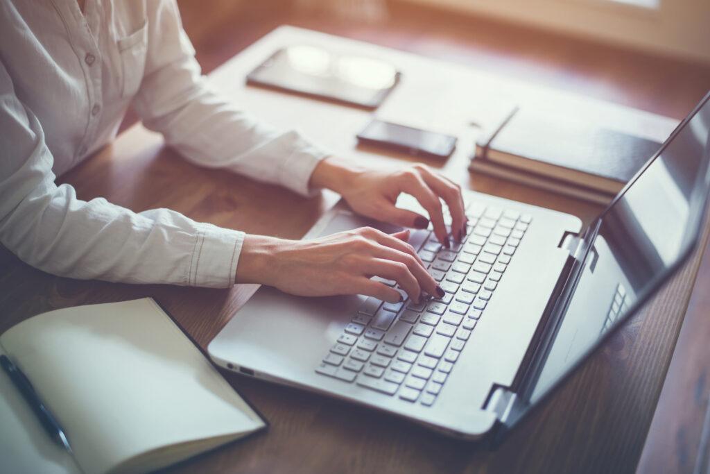 WEBデザイナーは未経験でもなれる?仕事内容や準備するもの、勉強方法などをご紹介